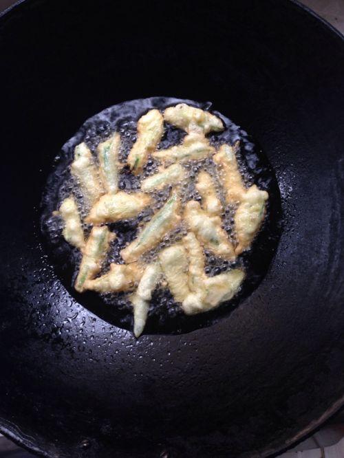 椒盐黄秋葵的做法图解10