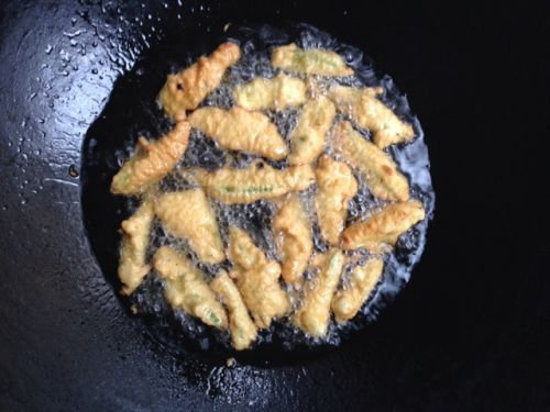 椒盐黄秋葵的做法图解11