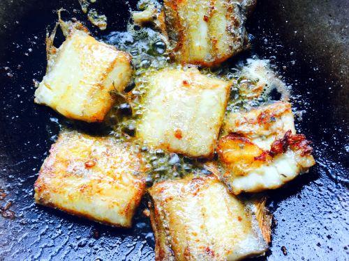 红烧糖醋带鱼的做法图解5