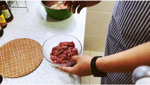 水煮牛肉的做法图解2
