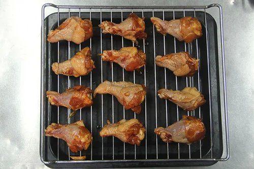 舌尖上的美食蜜汁烤鸡腿的做法图解4