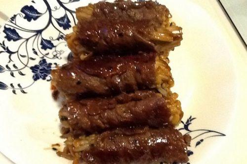 韩国烧烤风味的牛肉金针菇卷