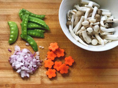 鹰嘴豆奶炖烩海鲜的做法图解5