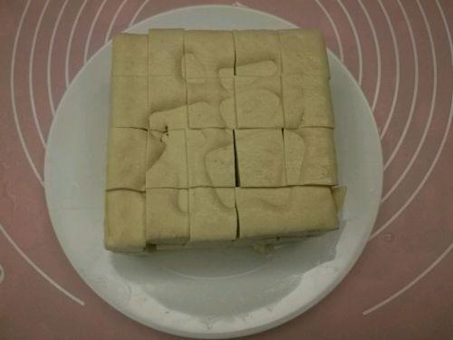 拔丝豆腐的做法图解1