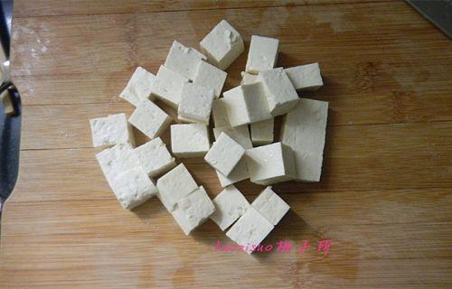 酱烧豆腐的做法图解1