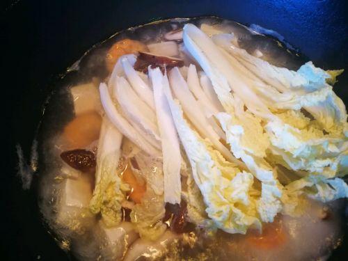 娃娃菜煮豆腐汤的做法图解4
