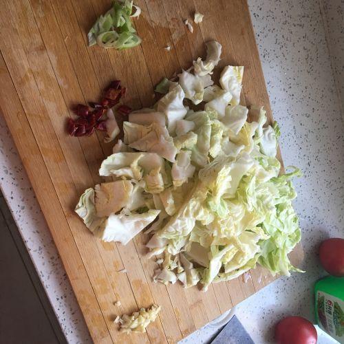 糖醋圆白菜的做法图解2