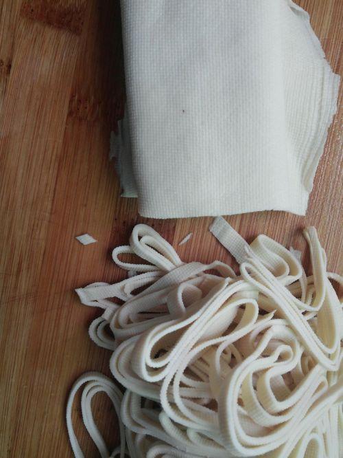 干豆腐拌黄瓜的家常做法