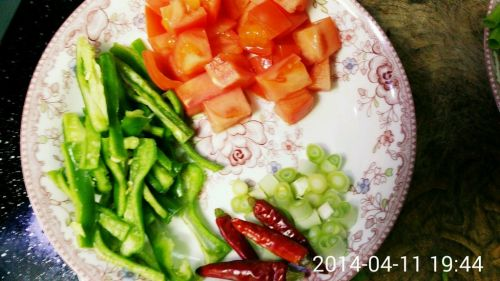青椒茄丝的做法图解2