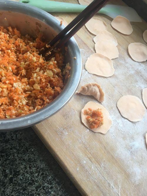 彩色小水饺的做法图解4