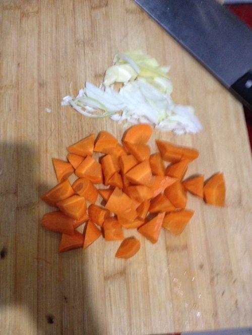 进补羊肉炖胡萝卜的做法图解4