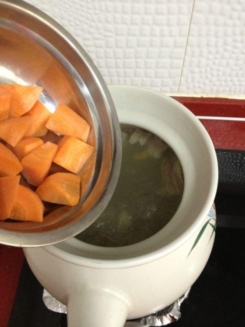 胡萝卜羊排汤的做法图解5