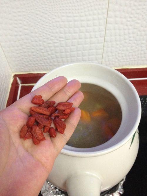 胡萝卜羊排汤的做法图解7