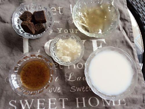 椰汁桂花水晶糕的做法图解1