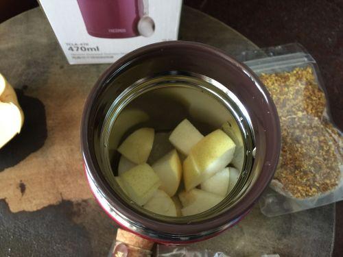 桃胶黑枸杞水果茶的做法图解8