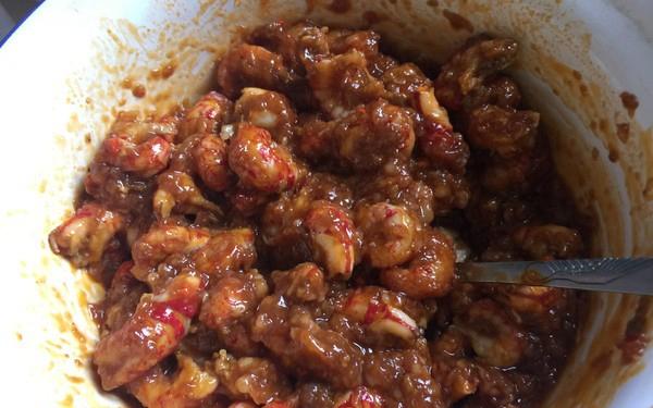 小龙虾肉月饼