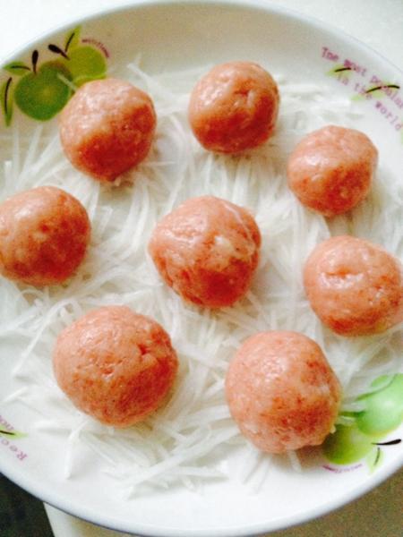 蒸萝卜丝肉丸的做法