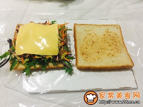 蔬菜三明治的做法图解7