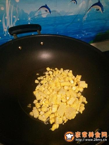火腿肠炒玉米的做法图解6