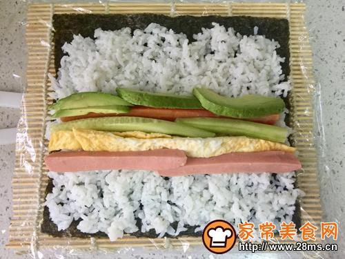 牛油果肉松寿司的做法图解4
