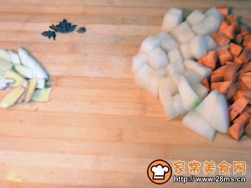 胡萝卜冬瓜烧牛肉的做法图解1
