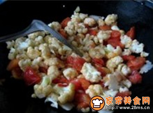 西红柿炒菜花的做法图解5