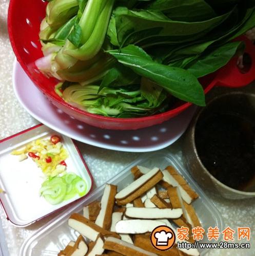 上海青菜炒豆干的家常做法