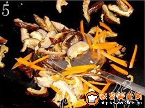 冬菇炒豆腐干的做法图解5