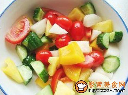 缤纷果蔬沙拉的做法图解2