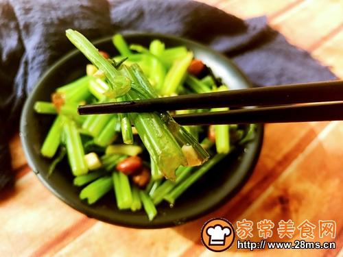 炝拌芹菜的做法图解8