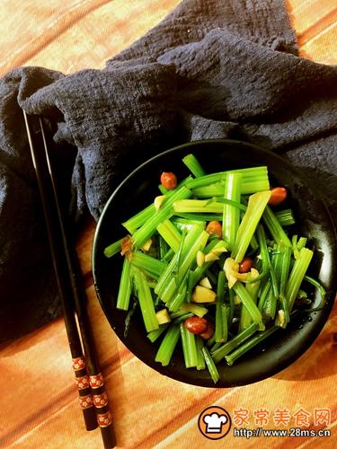 炝拌芹菜的做法图解10