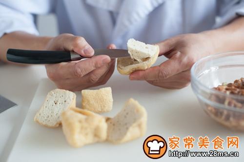 油豆腐塞肉的做法图解2