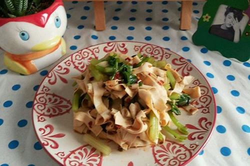 减肥餐 凉拌芹菜干豆腐