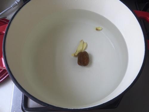 排骨山药汤 的做法图解2