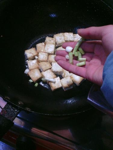 香煎豆腐的做法图解5