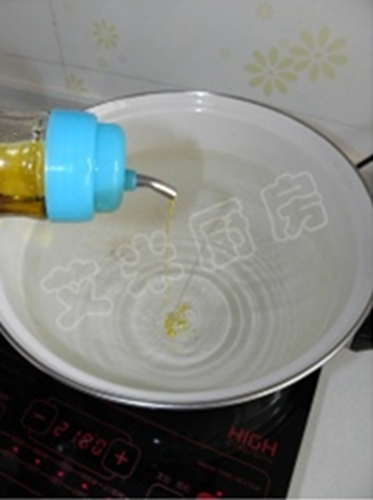 姜蒜香汁菠菜的做法图解1