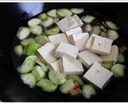 丝瓜豆腐汤的做法图解4