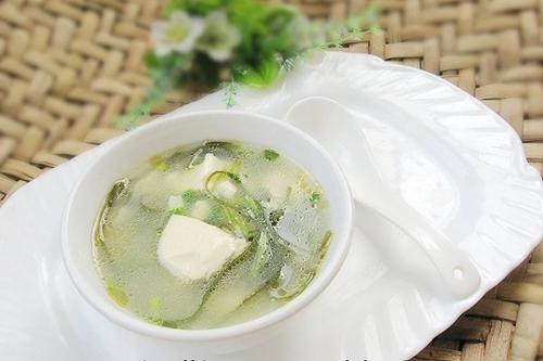 海带丝豆腐汤