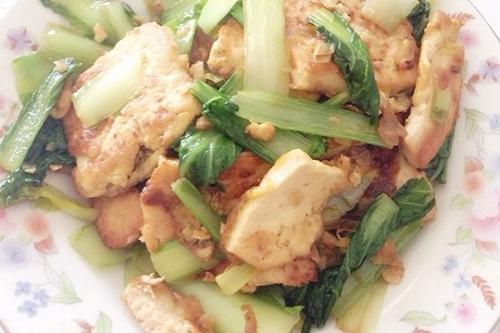 煎豆腐炒小白菜的家常做法