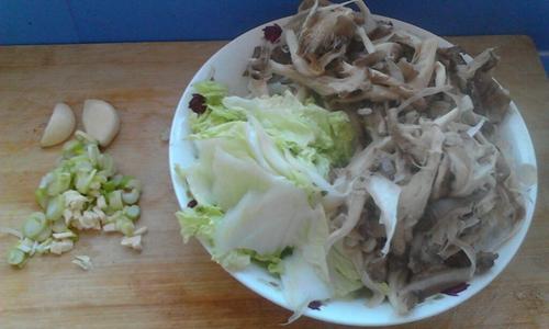 蚝油蘑菇炒白菜的家常做法