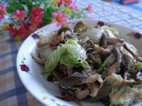 蚝油蘑菇炒白菜的做法图解8