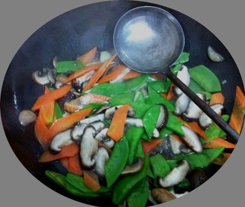 花菇荷兰豆的做法图解3