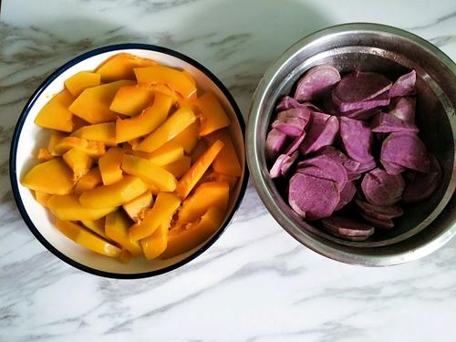 南瓜紫薯双色发糕的做法图解3