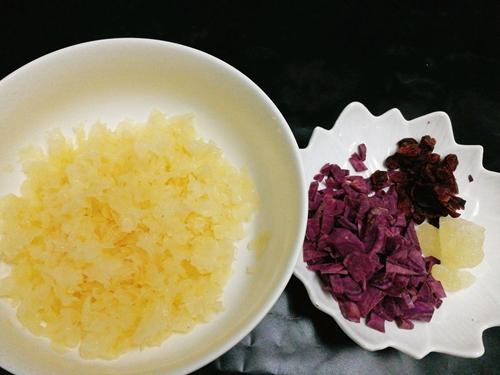 养生紫薯银耳羹的做法图解2