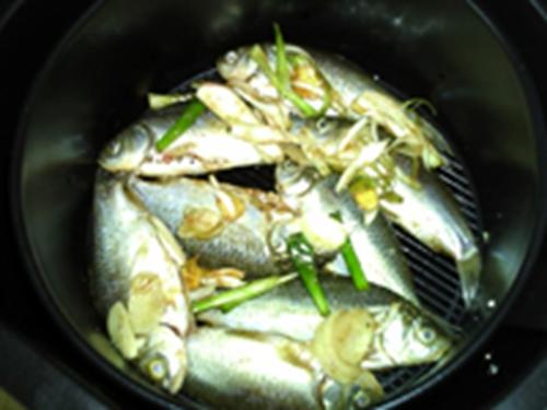 低油炸鲫鱼的做法图解10
