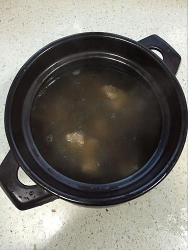 红枣鲫鱼汤的做法图解5