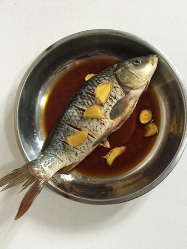 微波炉版香辣烤鱼的做法图解2