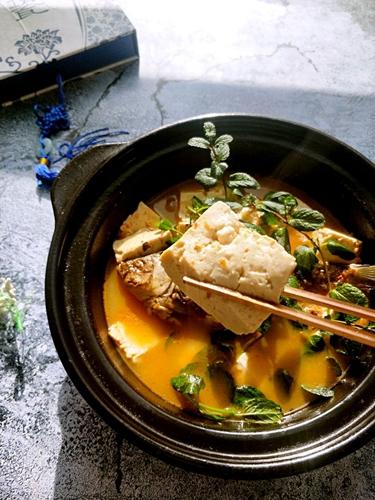 鲫鱼豆腐辣酱汤的做法图解9