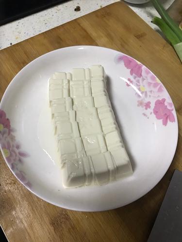 奶白鲫鱼汤的做法图解2