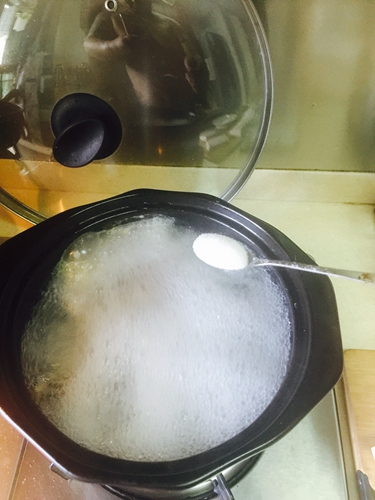 催奶神菜精品鲫鱼汤的做法图解5